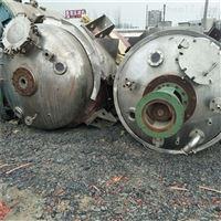 大量转让二手10吨不锈钢反应釜全套处理