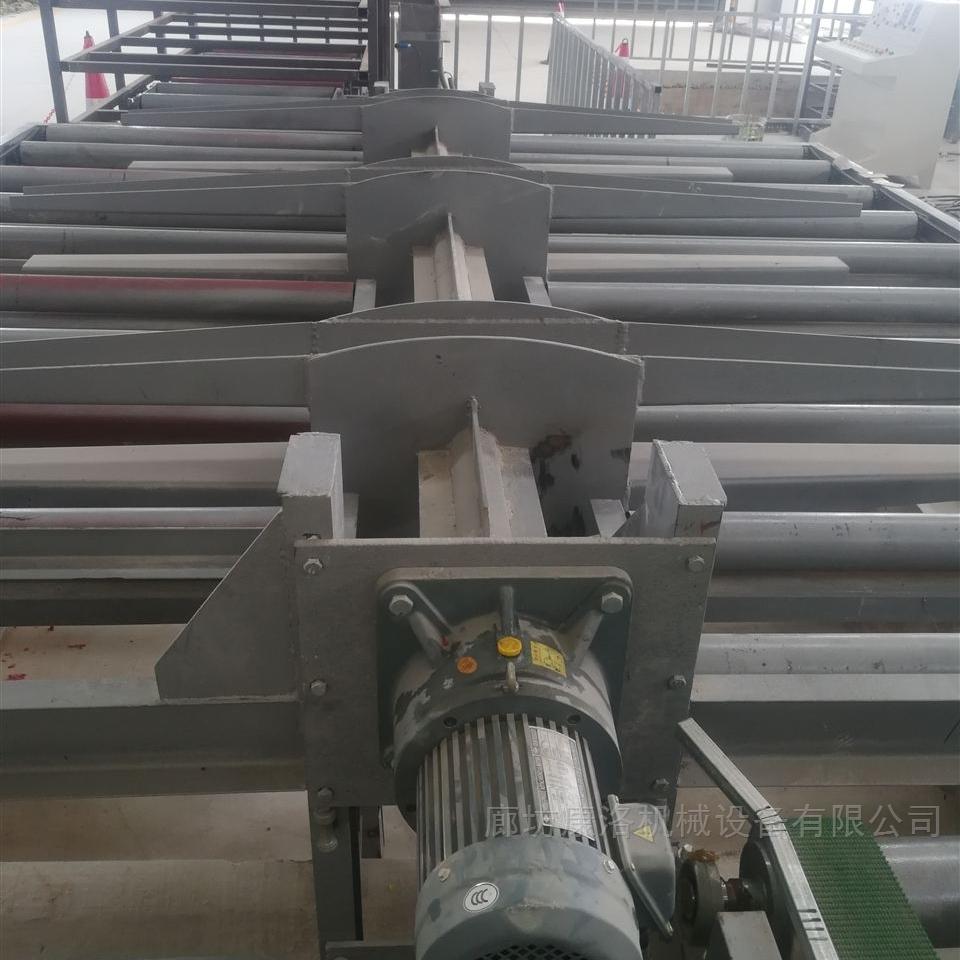 保温免拆模板一体化设备生产概括