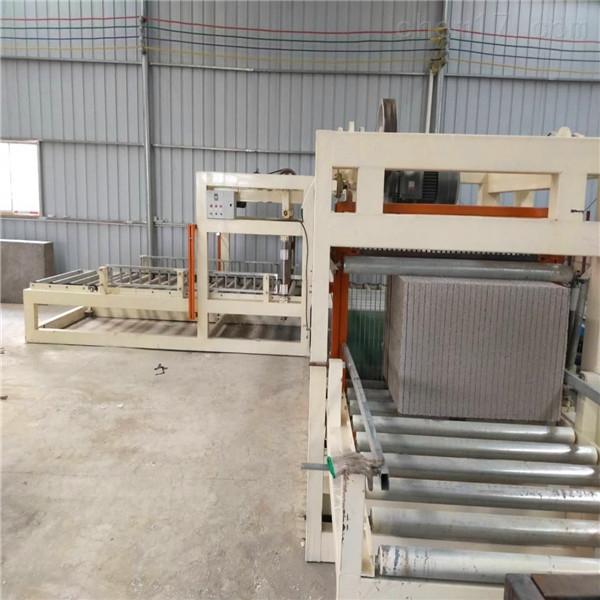 聚合物匀质保温板设备选购常识及生产常识